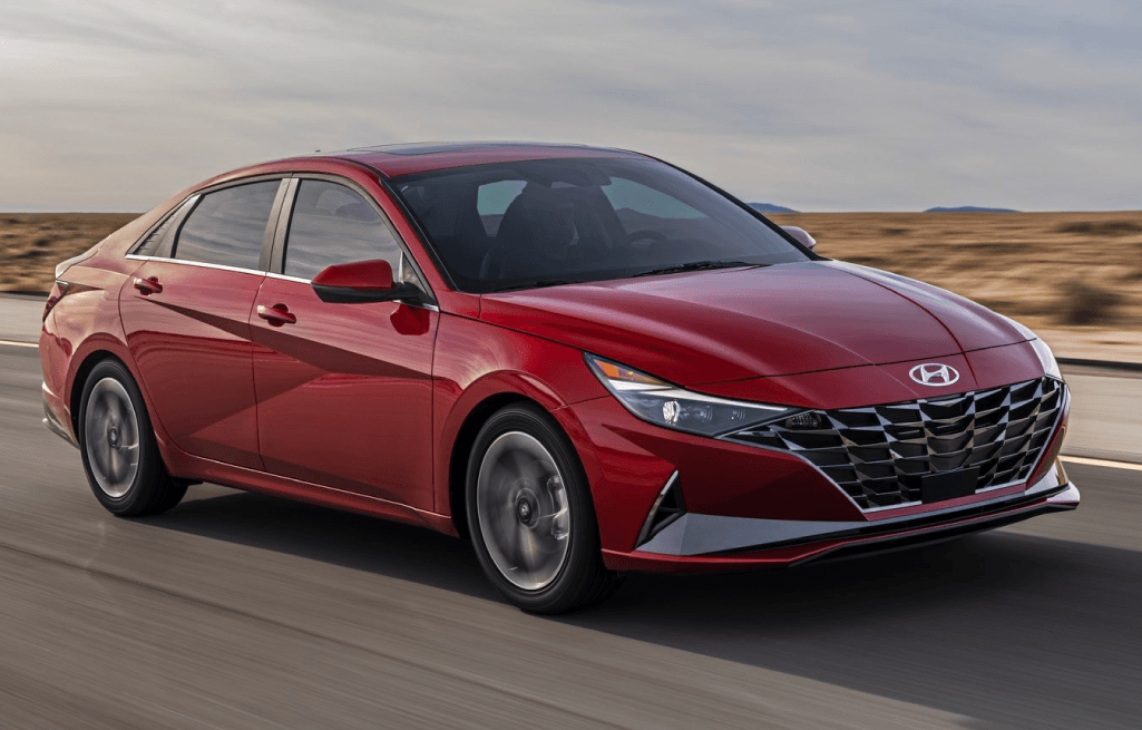 CH-June2020-Blog1-2021-Hyundai-Elantra-Feature-3